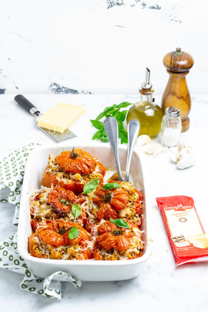 pomodori ripieni con quinoa, emmental e ceci