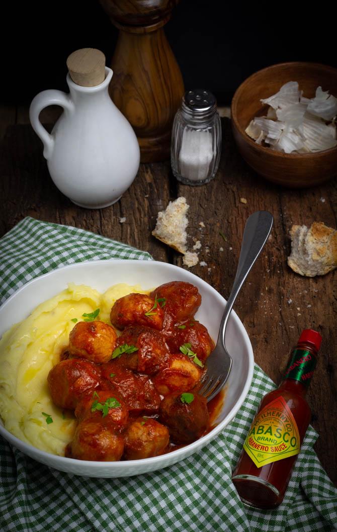 Polpette piccanti cotte in slow cooker