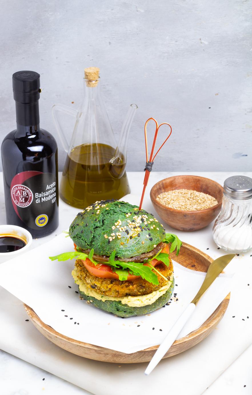 burger di lenticchie con pane alla spirulina