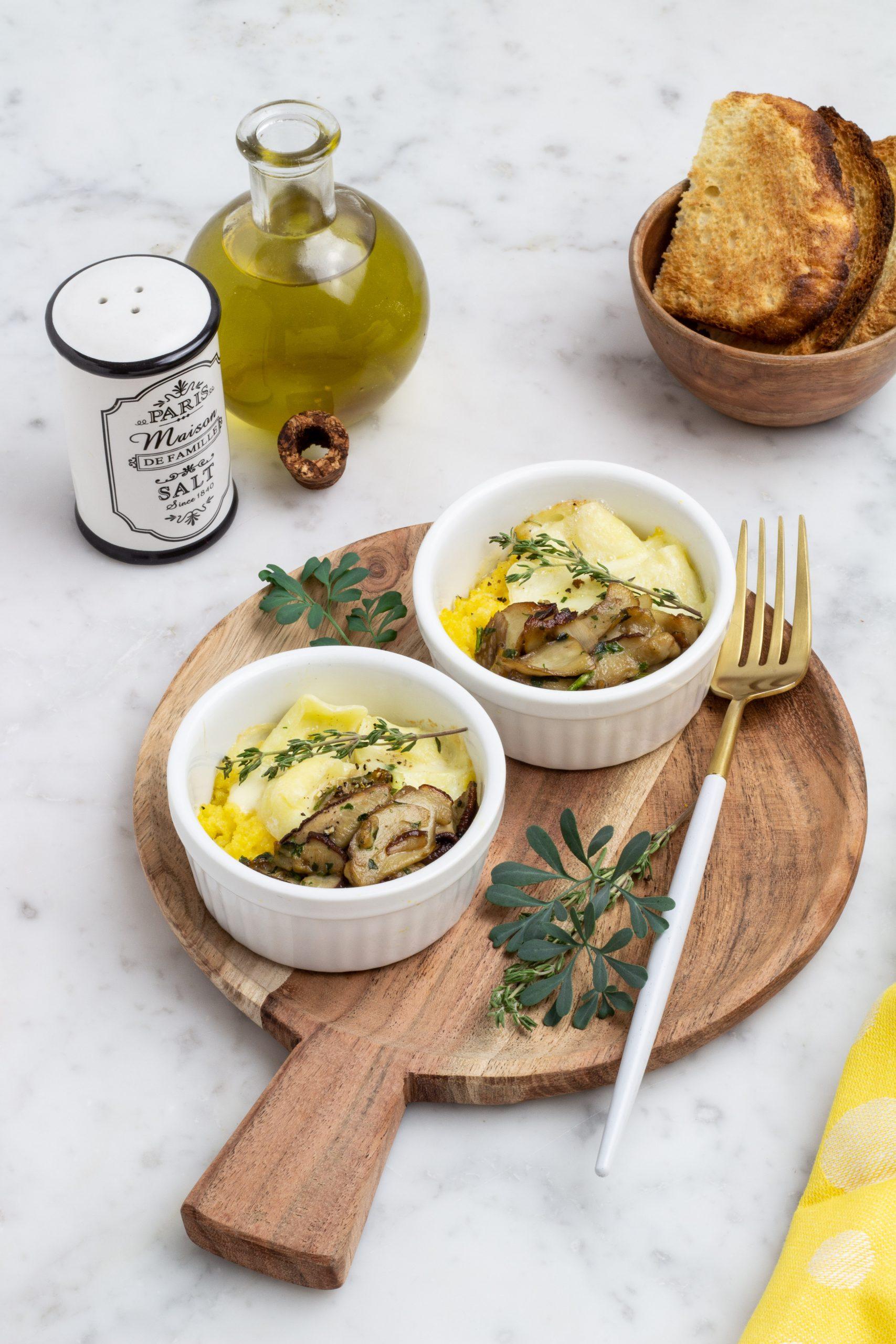 polenta, funghi porcini e tomino al forno in cocotte monoporzione